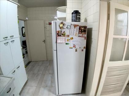 Cozinha separada da área serviço