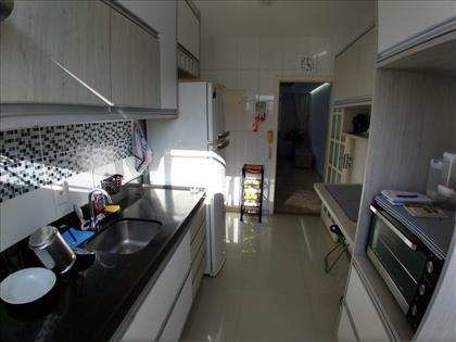 Bancada ampla na cozinha