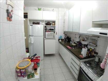 Cozinha toda com armários