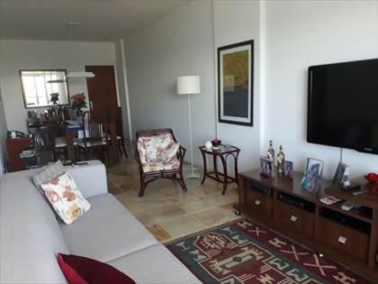 sala confortável e ampla
