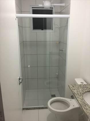 banheiro som box de vidro