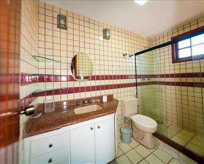 WC e quarto da Suíte Bacalhau