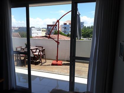 Vista da sala para a varanda