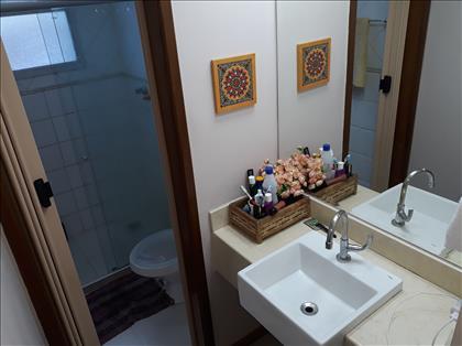 Banheiro social e lavabo