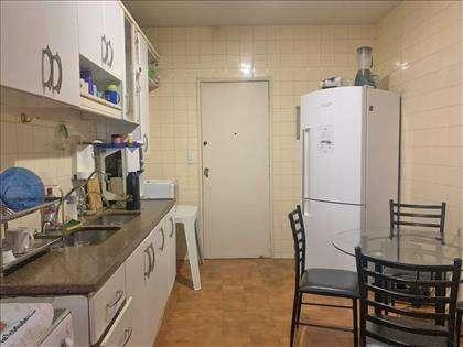 Cozinha enorme
