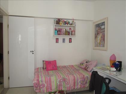 Quarto de solteiro 1 com armário