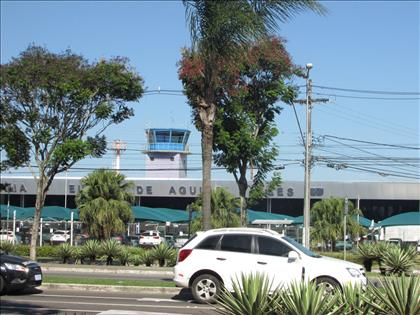 Próximo ao antigo aeroporto