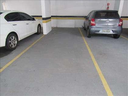 1 vaga escriturada que cabem 2 carros