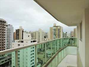 Varanda primeiro piso - vista 2