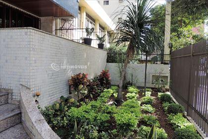 Detalhe do jardim da entrada