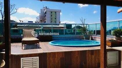 Detalhe do deck da piscina
