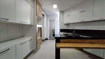 Cozinha: detalhe dos armários