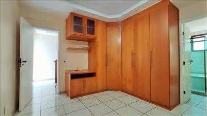 Suíte 2º piso - detalhe dos armários