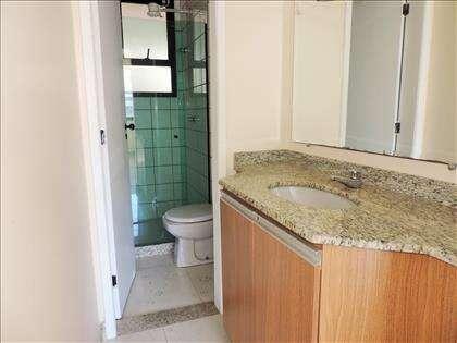 Banheiro social com lavabo externo