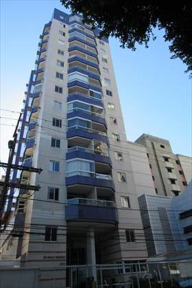 Edifício com ótimo acabamento