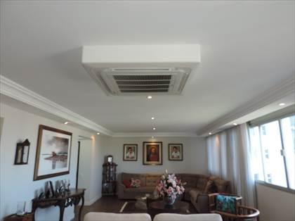 Salão para  02 ambientes - detalhe ar condic