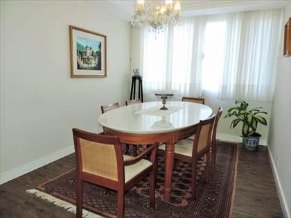 Sala de Jantar com linda vista p/ área verde