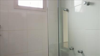 Aquecedor coletivo atende banheiros
