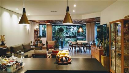 Cozinha e vista da sala
