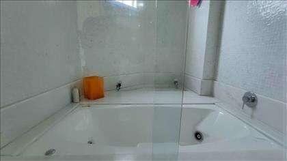 Banheiro da suíte master: hidro