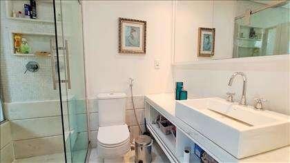 Banheiro suíte master com hidro e bancada