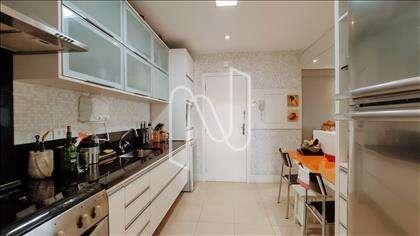 Cozinha com armários de qualidade