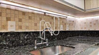 Torneiras: misturadores na coz e banheiros