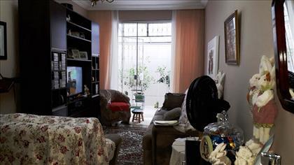 outra vista sala de estar