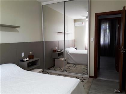 suite, armários com espelho