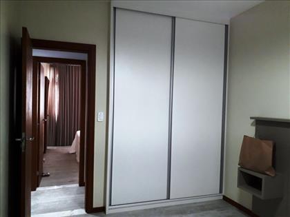 vista quarto 2, armarios novos