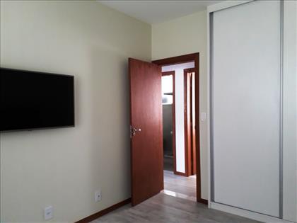 quarto 2, com armários novos