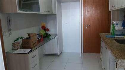 Cozinha e porta de serviço