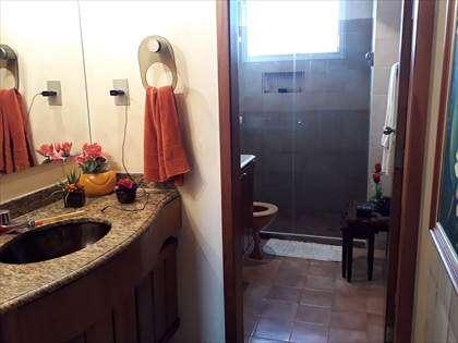Lavabo e banheiro social