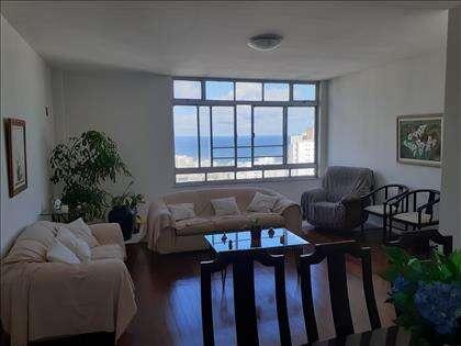 Sala com vista mar
