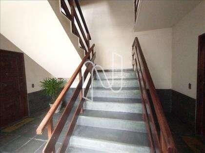 Escada área comum
